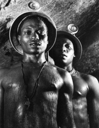 margaret-bourke-white-gold-miners-johannesburg-1950