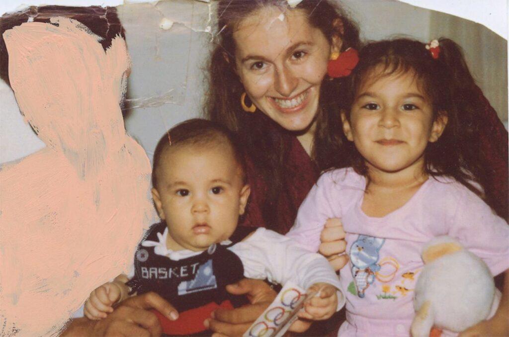 Alba Zari incontro online famiglia