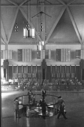 Roberto Gabetti torino interno del Palazzo della Borsa Valori 1956