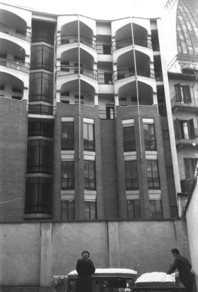 Roberto Gabetti torino la Bottega Erasmo dal cortile 1956-57
