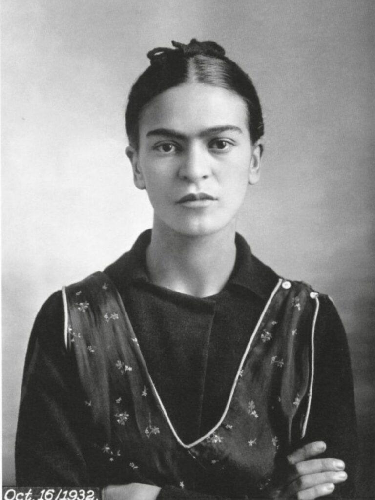 Ritratto di Frida Kahlo dopo la morte della madre