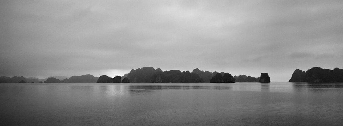 Richard de Tscharner mostra Todi Baie dHa Long Vietnam 2008