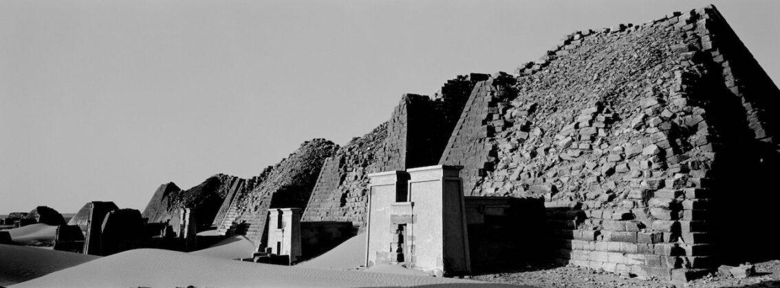 Richard de Tscharner mostra Todi Pyramides saccagees Sudan 2010