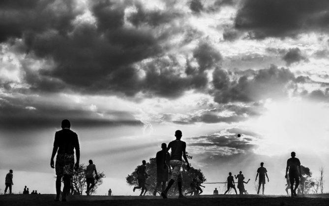 Travelling without moving Lorenzo Cicconi Massi