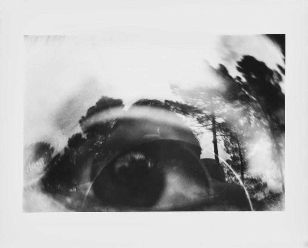 Luca Maria Patella Occhio nel paesaggio immagine oggettiva riflessa 1965