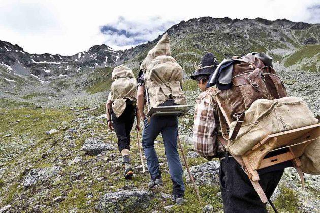 Stefano Torrione Alto Adige Salita al Monpiccio in Val Venosta per i fuochi del Sacro Cuore