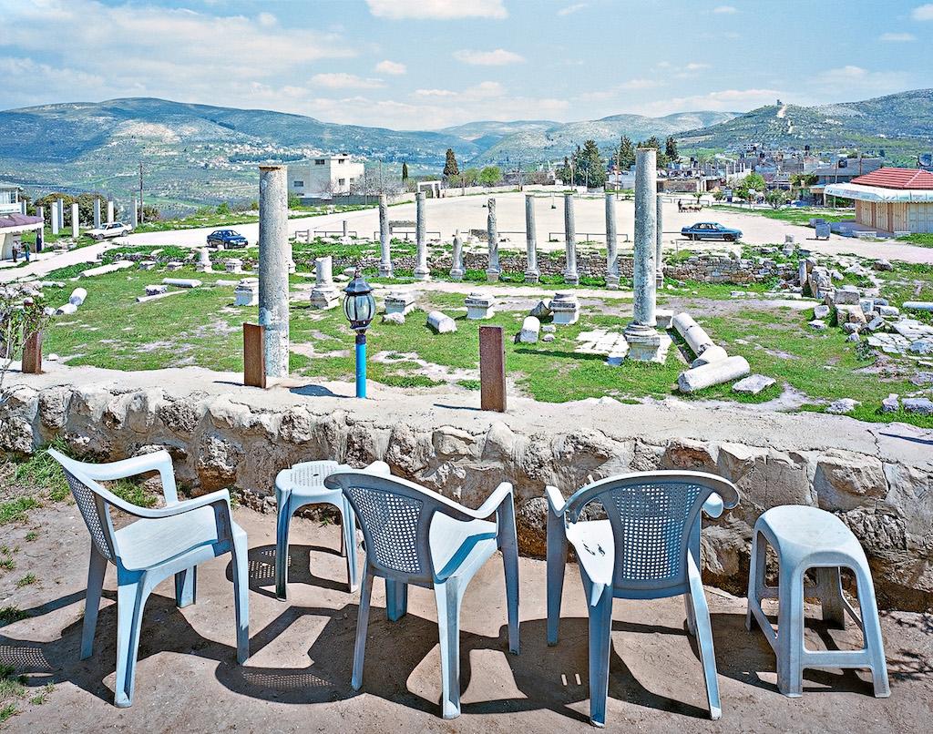 Alfred Seiland Foro romano e Basilica Sebastia Samaria Palestina 2009