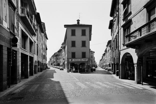 Gabriele Basilico Archivio Gabriele Basilico Attraversare Bergamo 1998