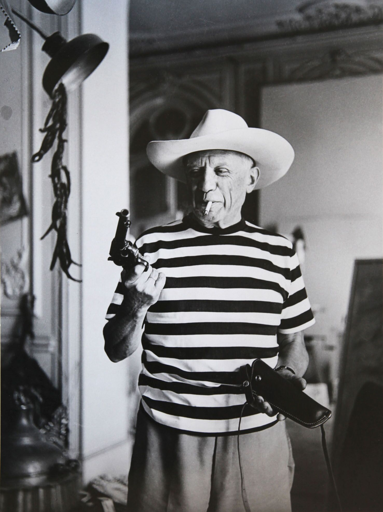 Andre Villers, Picasso with revolver and hat of Gary Cooper, 1959, Printed 2013, Canson fine art print, 110x139cm, edition: No 5/7, Courtesy Suite 59 Gallery