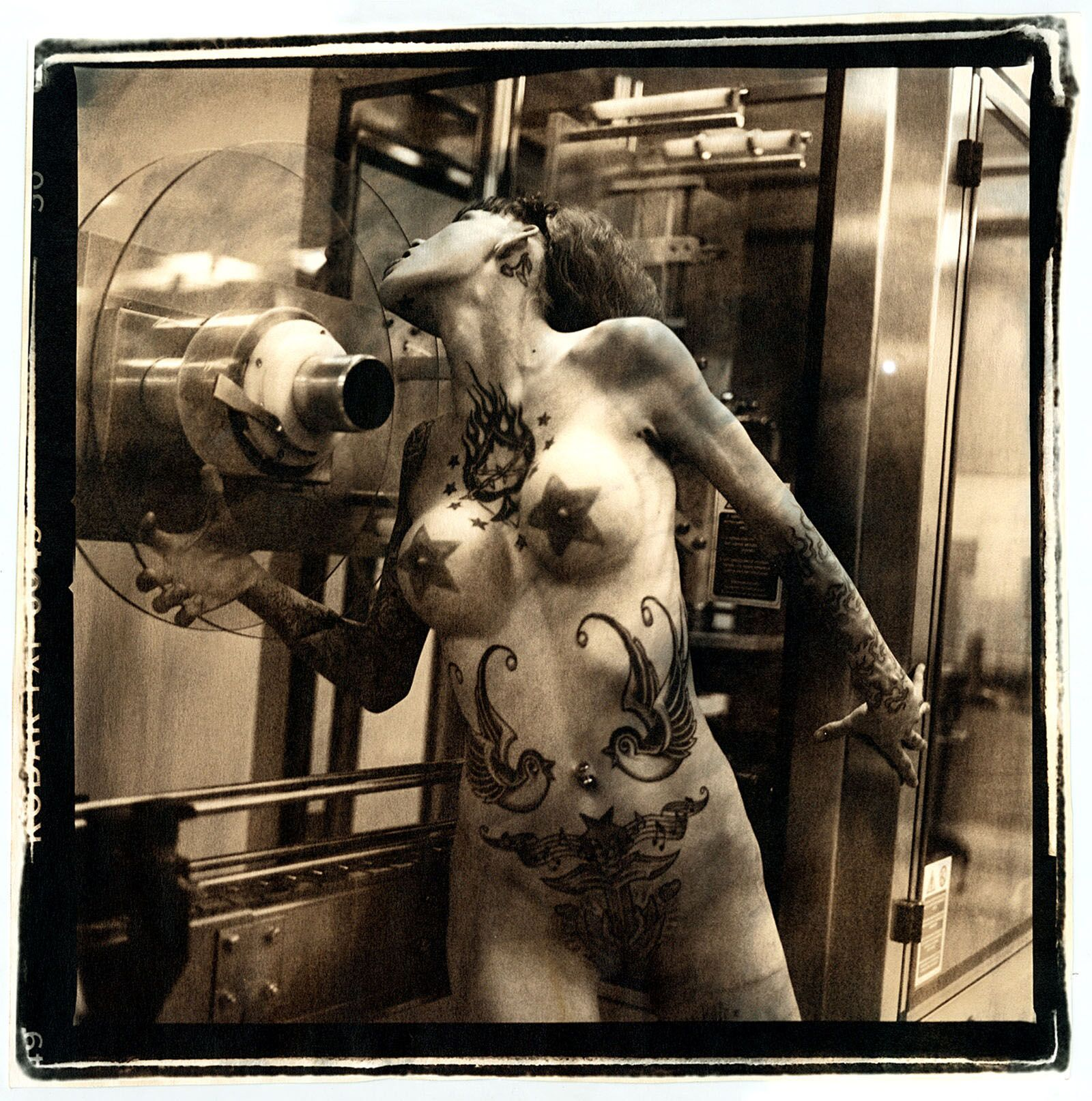 Francesca Galliani, Lza #21, 2003, Gelatin silver print manually toned, 50X60, edition: series of 5, Courtesy Vision Quest